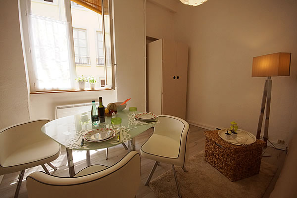Lyon furnished studio rental fully equipped with internet for Location appartement meuble a lyon